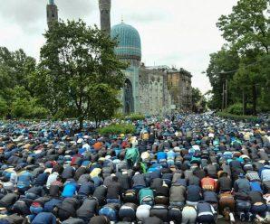 Мусульмане Питера празднуют Ураза-Байрам